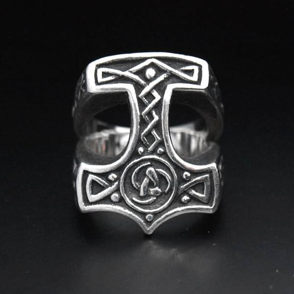 Bague chevalière argent marteau de Thor