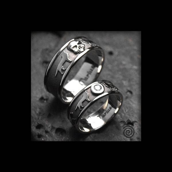Duo d'alliances loups et tête de mort or blanc 750 et diamant